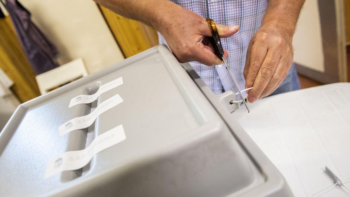 választási urna